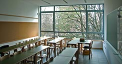 vista-salon-clases-paisaje-verde-2