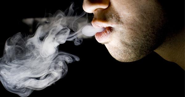 fumar-daña-bacterias-boca