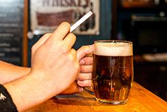 fumar más por mucho alcohol-2