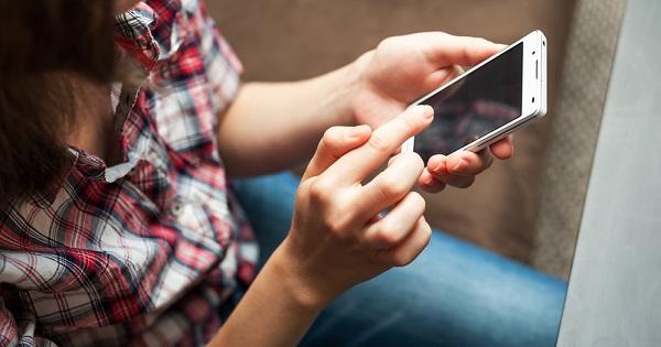 teléfonos-celulares-cercania-personas