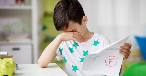 Motivar a tus hijos con palabras de aliento más que elogios.